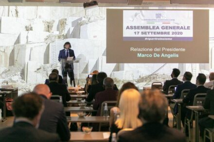 President Marco De Angelis giving his lecture. Photo: webpage of Confindustria Marmomacchine