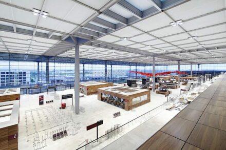 Die Check-in-Halle im Terminal 1. Foto: Alexander Obst / Marion Schmieding, Flughafen Berlin Brandenburg GmbH