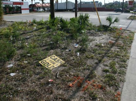 At the end of the financial crisis, such signs were only in the dirt on the streets. Seen in Florida.