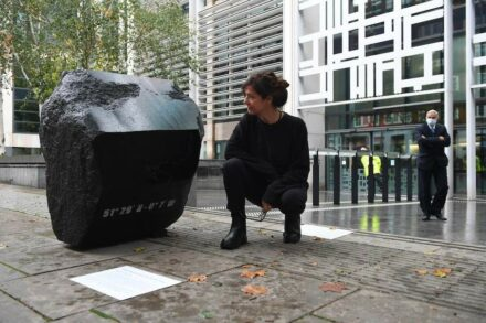 Artist Fiona Banner aka The Vanity Press with 'Klang Full Stop' outside DEFRA in London. Photo: Chris J Ratcliffe / Greenpeace