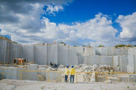 Granite BRANCO CEARÁ: Thor company's quarry.