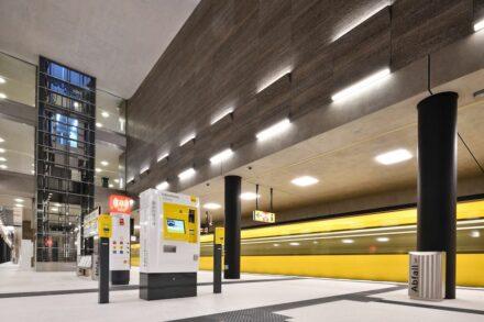 Der Bahnhof Unter den Linden. An der Wand Kirchheimer Muschelkalk. Foto: BVG / Antonio Reetz-Graudenz