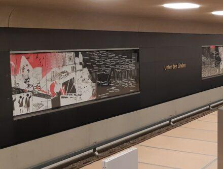 Wimmelbild und Wortwolke im Bahnhof Unter den Linden. Foto: BVG / Oliver Lang