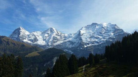 An international team led by the University of Bern was able to show that the Swiss Alps are still growing upwards. Picture of Eiger Mönch and Jungfrau.