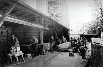 Stonemasons from the Bauhütte at the Cathedral in Ulm, Germany. Photo: Bauhütte / Unesco