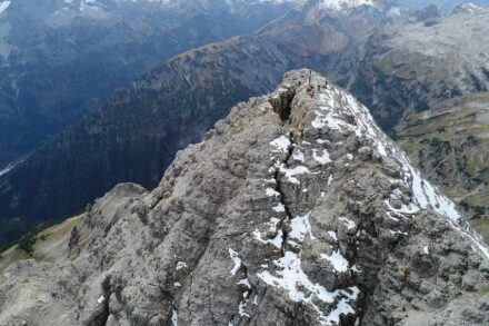 The summit of the Hochvogel in the Alps is breaking in two. Photo: TU München