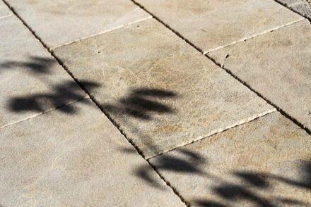 Rosal Stones: Kalkstein Abadía Rosal.