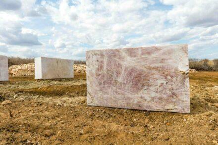 Cristallo pink quartzite.
