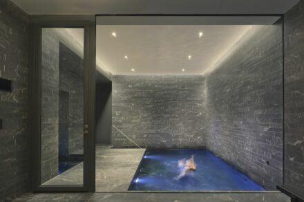 Einfamilienhäuser: SoHo Townhouse: New York, NY. ABC Worldwide Stone Brooklyn, NY.