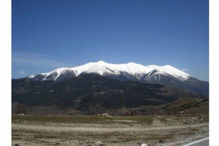 Das Bergmassiv des Olymp, von Westen gesehen. Foto: Giorgos Kollias / Wikimedia Commons