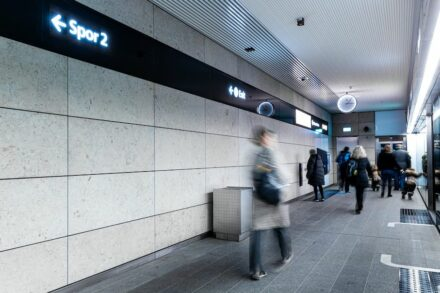 Norrvange limestone in the Copenhagen Metro. Photo: Sveriges Stenindustriförbund