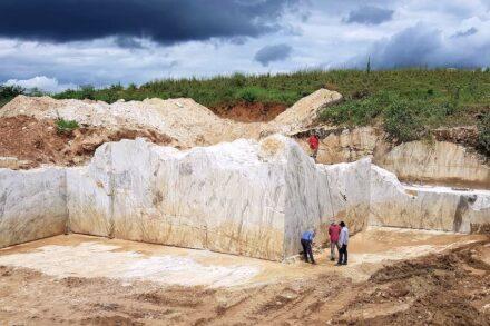 Head Mineração: Kárius marble.