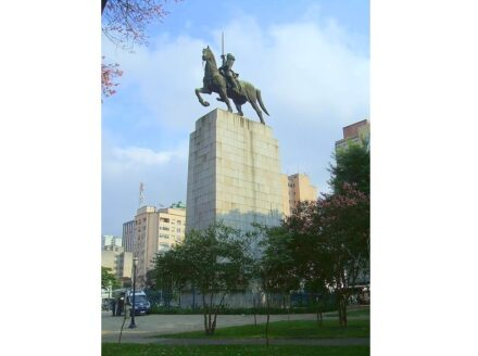 "Victor Brecheret: ""Monumento ao Duque de Caxias"". Foto Dornicke / Wikimedia Commons"
