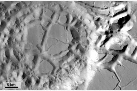 Ansicht eines chaotischen Terrains auf dem Mars. Quelle: Erica Luzzi/Murray Lab