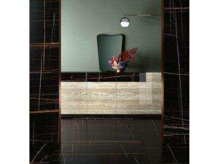 "Fiandre, Marmi Maximum collection: ""Sahara Noir"" and ""Travertino""."