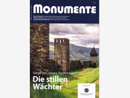 """Das Titelblatt des Magazins """"Monumente"""" (August 2021)."""