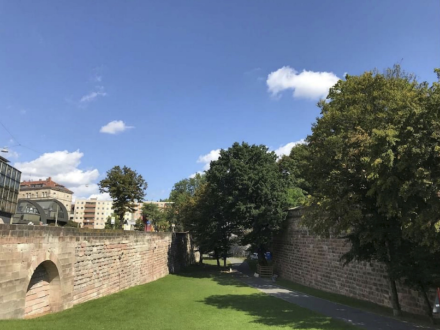 Stadtmauer Nürnberg: Hallertor in Richtung Neutor. Foto: DSD