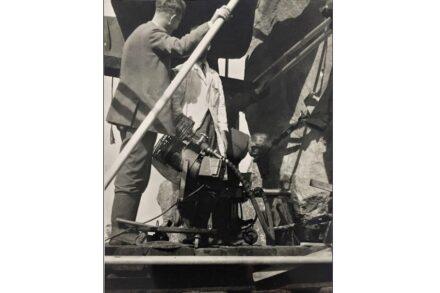 Robert Phillips (links) bei den Arbeiten am Stein Nr. 58 im August 1958. Quelle: Lewis Phillips