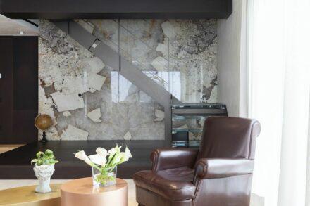 Patagonia 'Original' natural quartz for the living area.