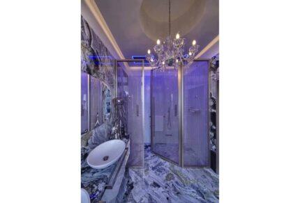 Studio Marco Piva, private home in the heart of Padua: master bathroom.
