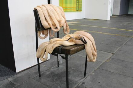 """Tatiana Prouvé: """"The Guardian"""", marble as an imitation of fabric. Photos: Peter Becker"""